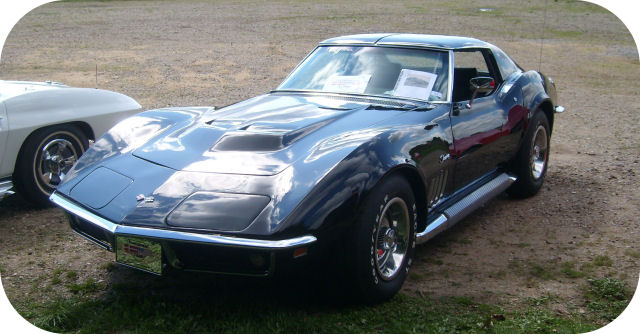 1969 Chevrolet Corvette Sting Ray T-Bar Roof Coupe front