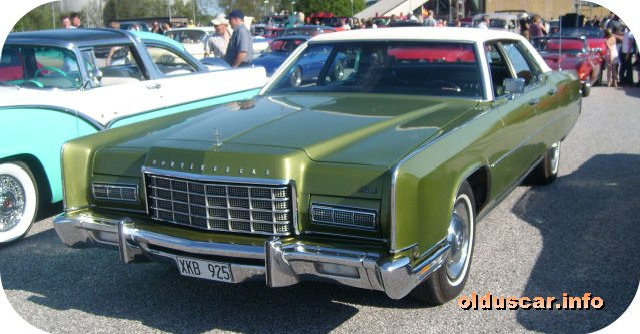 1973 Lincoln Continental 4d Sedan front